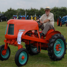 Tractor 8
